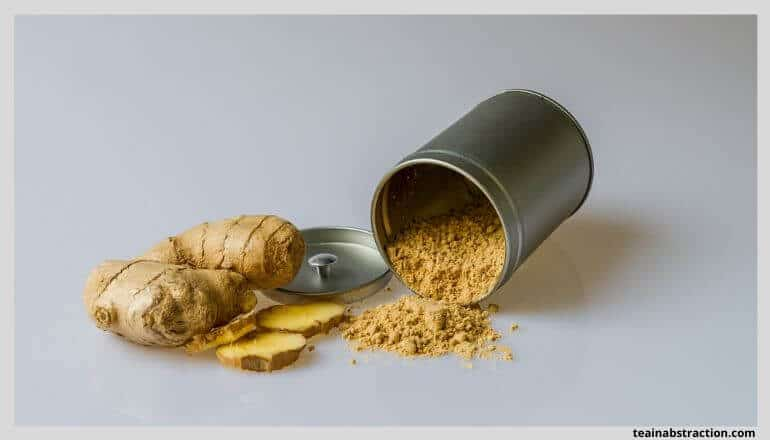powdered ginger and ginger root